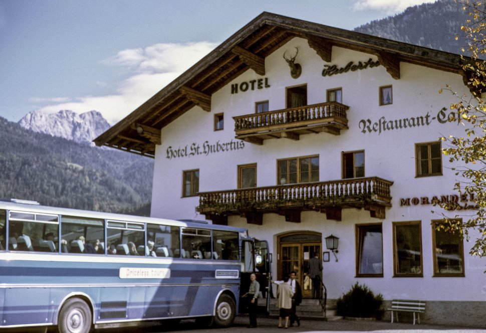 Free image of Tourists entering the St. Hubertus hotel in the mountains, Vienna, Austria