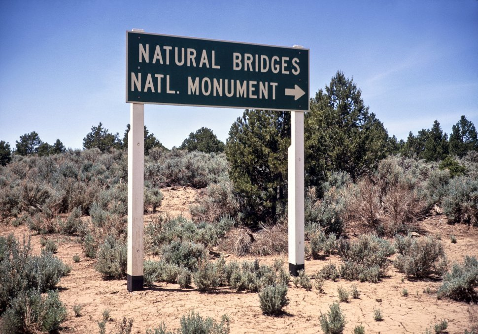 Free image of Directional signs for site Sign pointing to Natural Bridges National Monument, USA