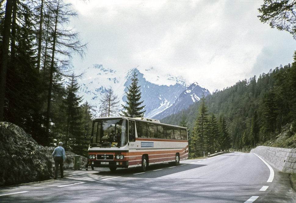 Free image of Tourist walking to the bus parked on the roadside, Germany