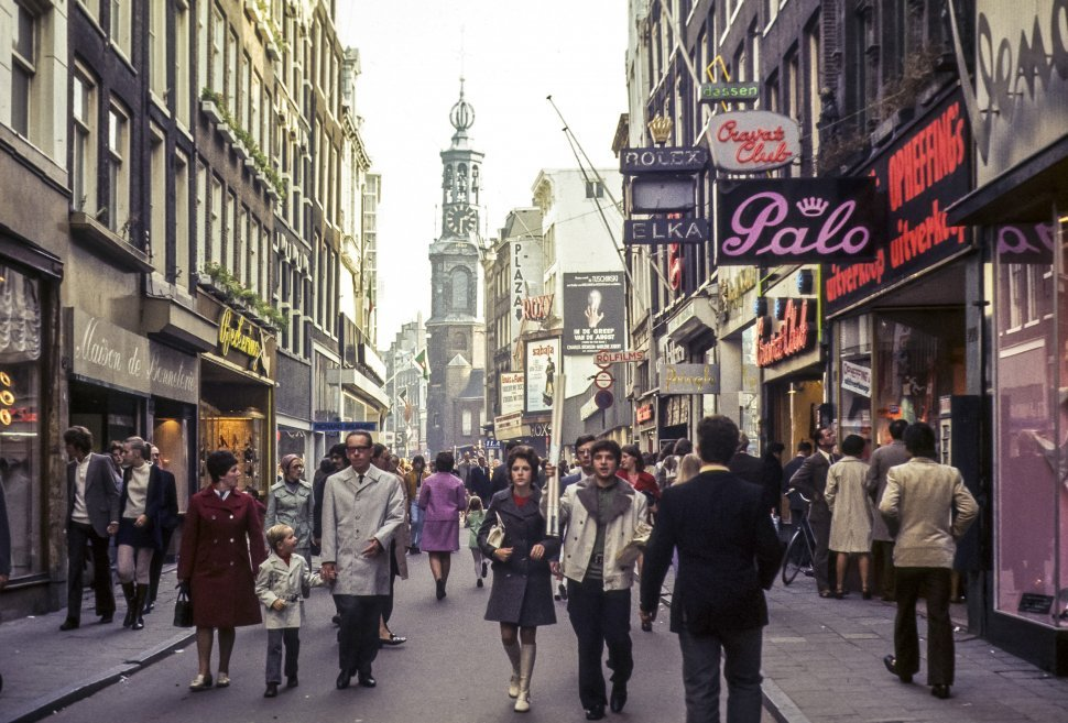 Free image of Crowd of people walking down a busy street, Europe