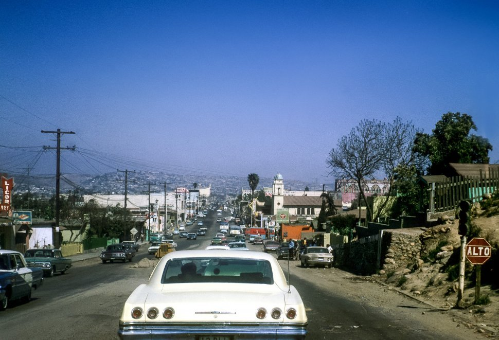 Free image of Traffic driving down a street,  Mexico