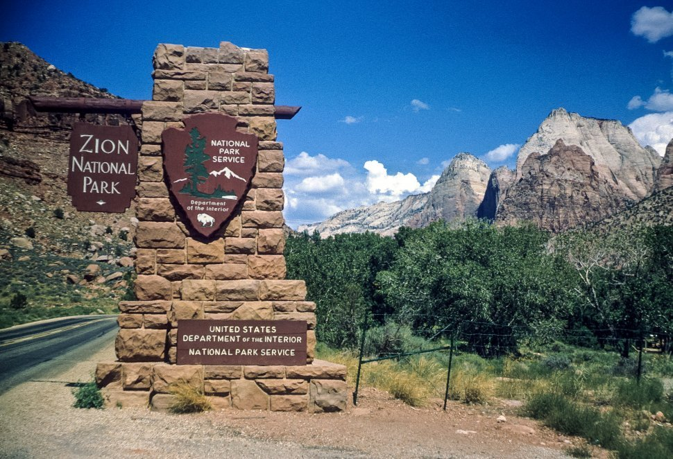 Free image of Entrance and sign to Zion National Park, Utah, USA