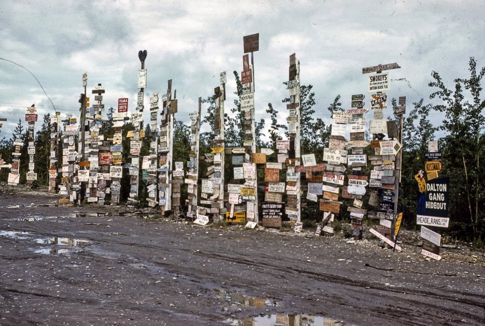 Free image of Large grouping of signs.
