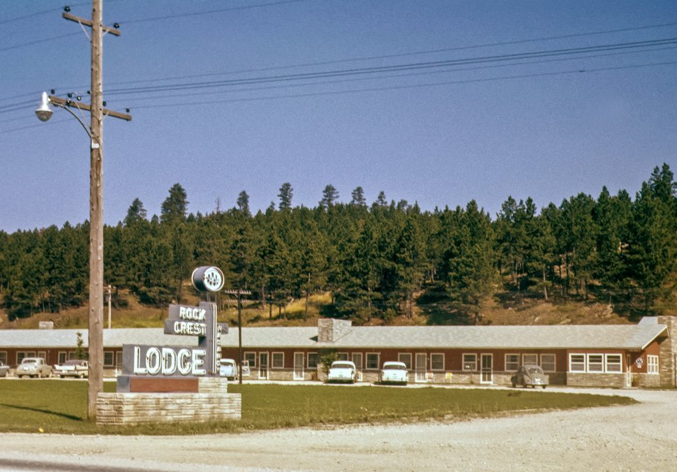 Free image of Cars parked in a motel lodge parking lot, Custer, South Dakota, USA