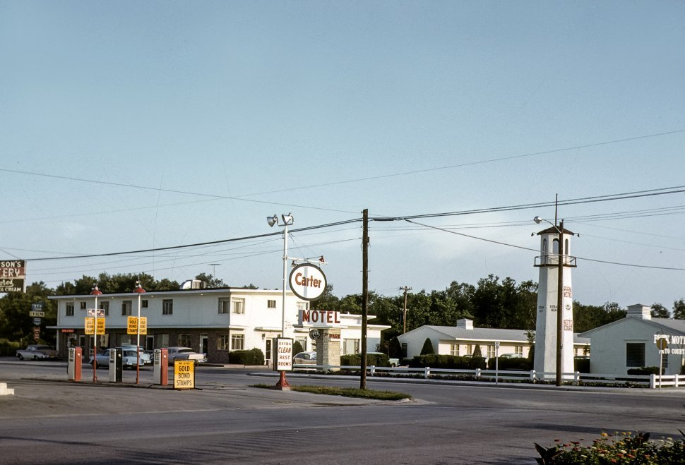 Free image of Gas station and motel, USA