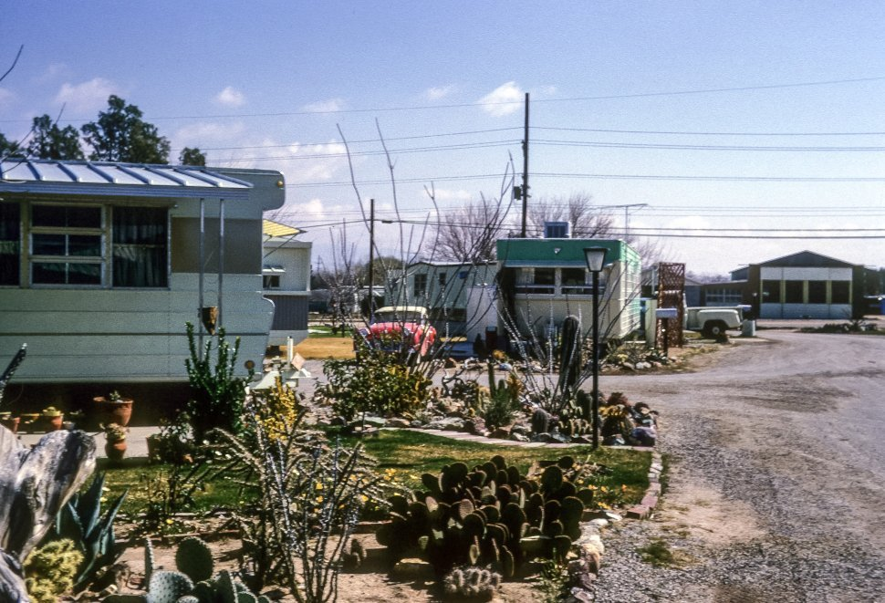 Free image of Desert garden outside a trailer park home, Arizona, USA