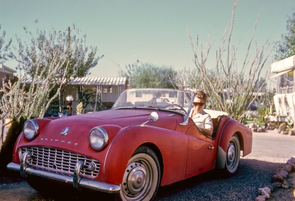 Free image of Woman posing with suglasses in a vintage car, Arizona, USA
