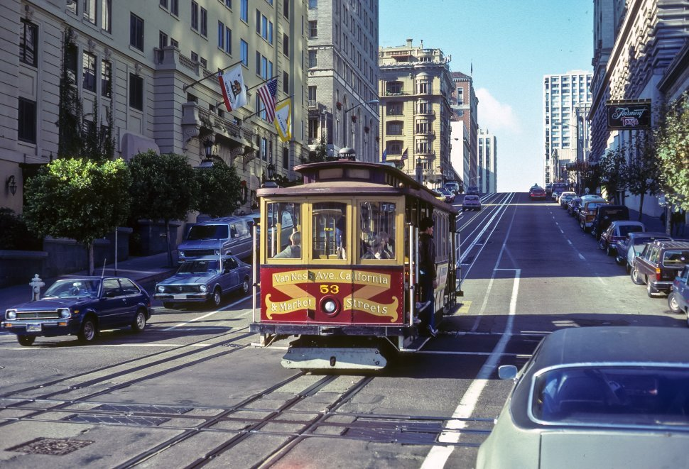 Free image of Trolley climbing the hills of the city, San Francisco, California, USA