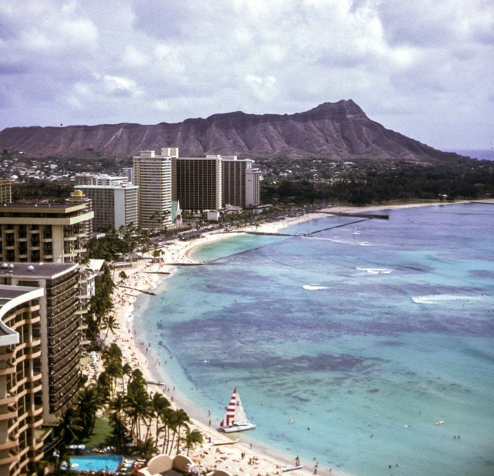 Free image of Aerial view of the coastline, Hawaii, USA