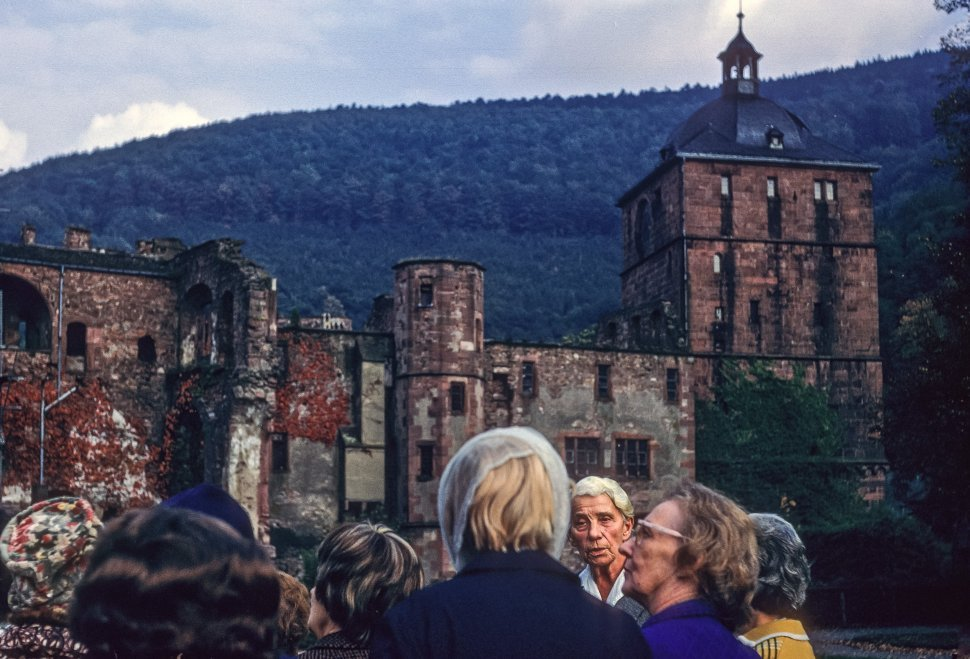 Free image of Group of tourists in front of an ancient castle, Germany
