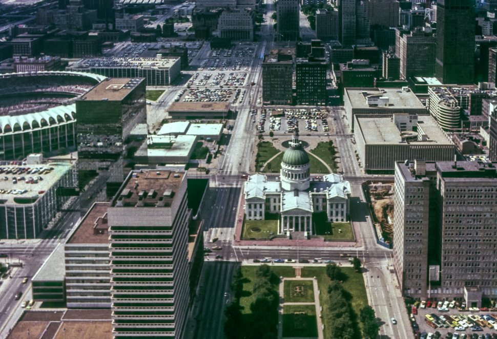 Free image of Aerial view of a St. Louis, Missouri from above, USA