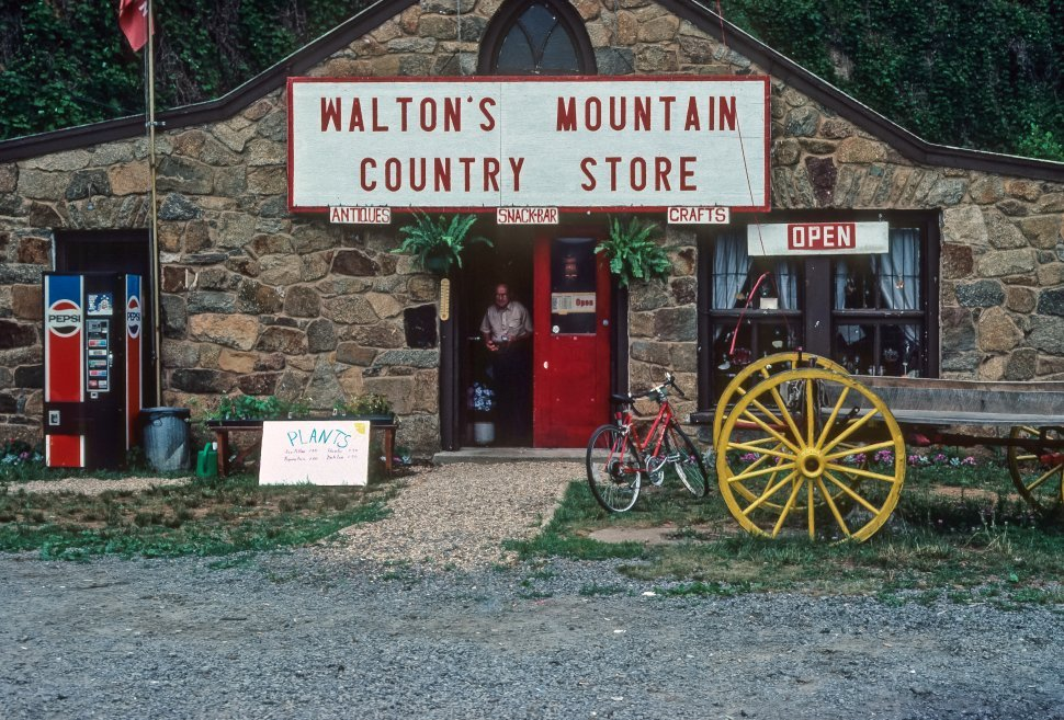 Free image of Sign for a roadside country store, Virginia, USA