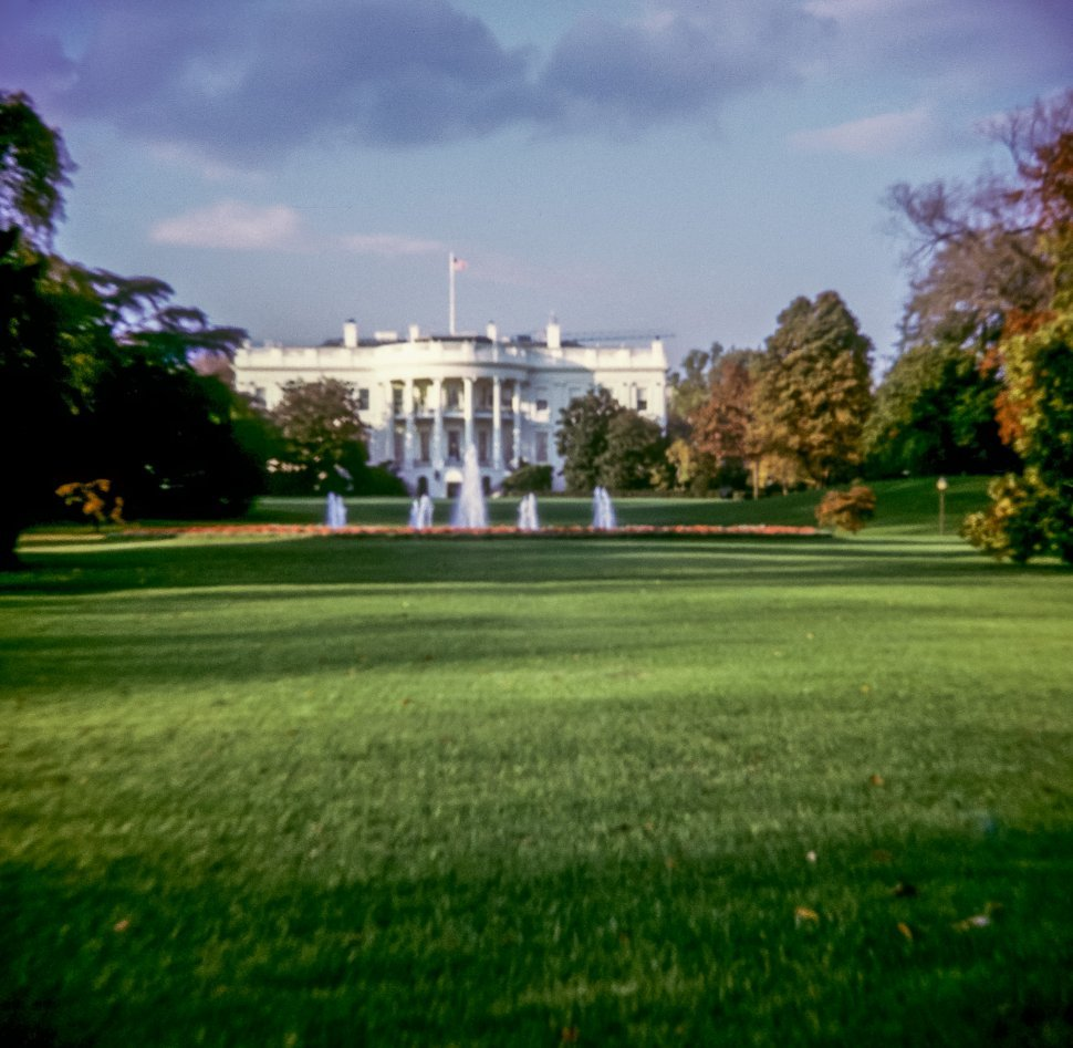 Free image of Front lawn and facade of the White House, Washington D.C., Washington, USA