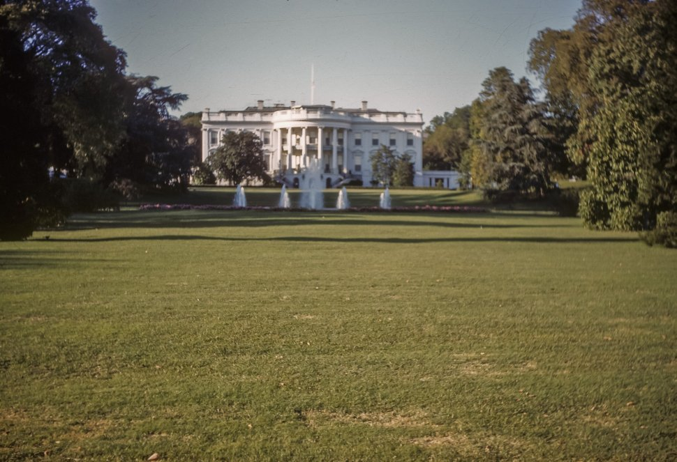 Free image of Fountains on the White House front lawn, Washington D.C., USA