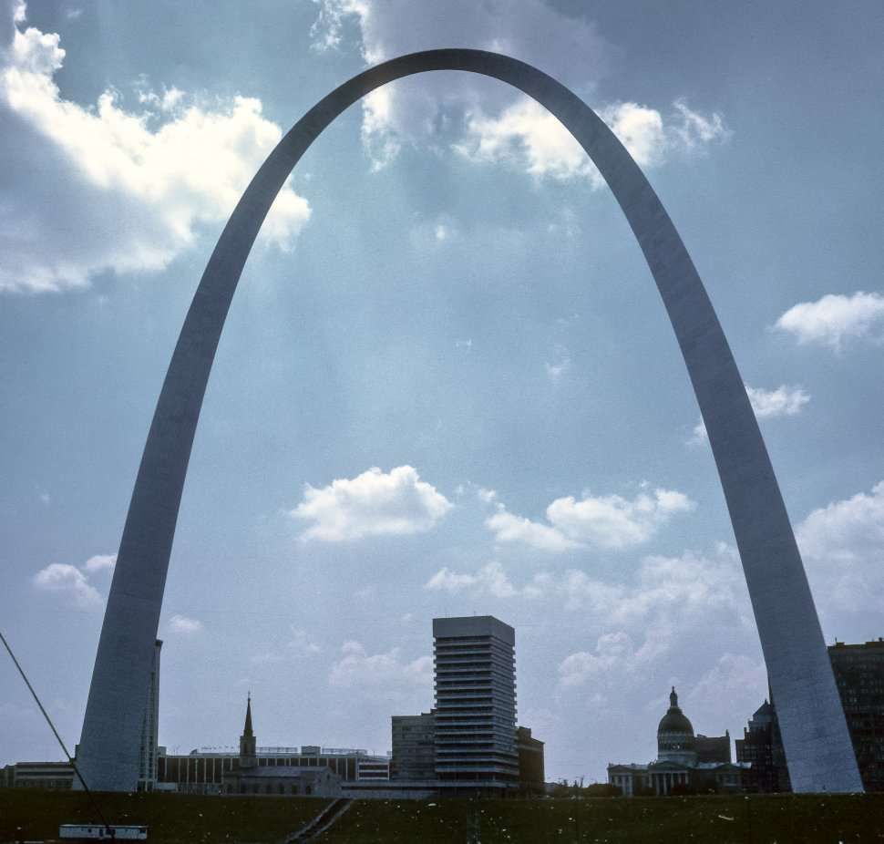 Free image of St. Louis Arch and other buildings in the city, St. Louis, Missouri