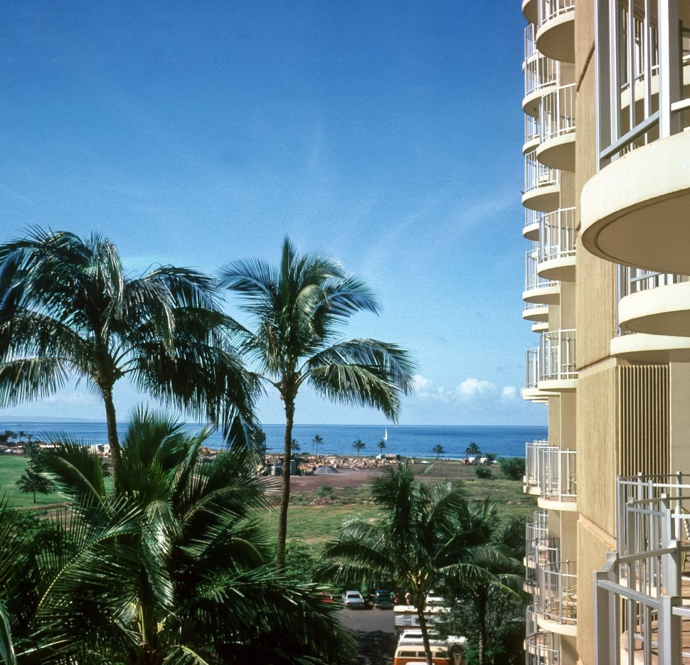 Free image of Facade of a large hotel and water beyond, Hawaii, USA