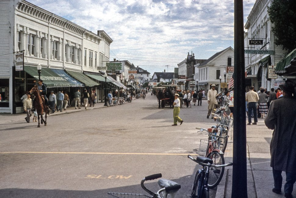 Free image of Busy main street of a Mackinac Island town, Michigan, USA