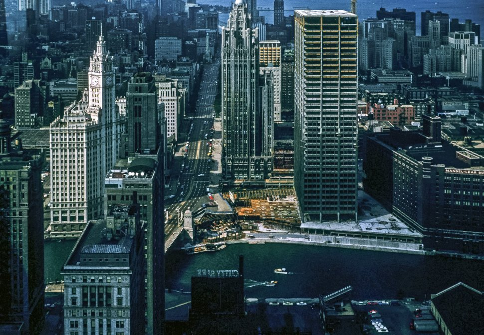 Free image of Aerial view of a Chicago, Illinois, skyline and skyscrapers.
