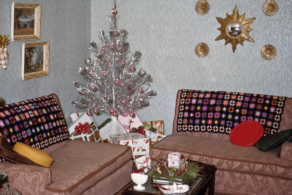 Free image of Decorations around a suburban home during Christmas, USA