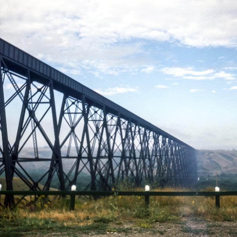 Free image of Haze in the distance and an elevated railroad bridge, USA