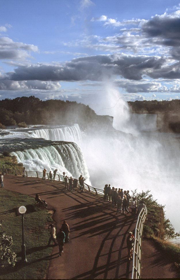 Free image of Viewing area for tourists at Niagara Falls.
