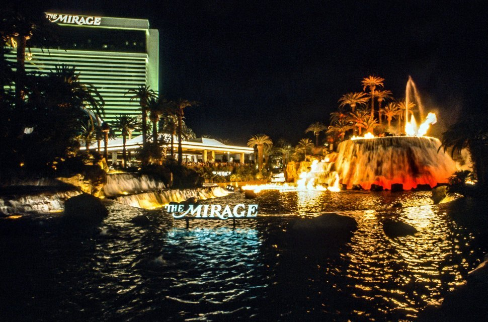 Free image of Night View of The Mirage Hotel - Las Vegas