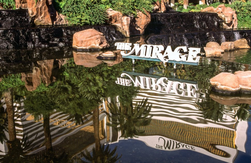Free image of Reflection of The Mirage Hotel in water in Las Vegas
