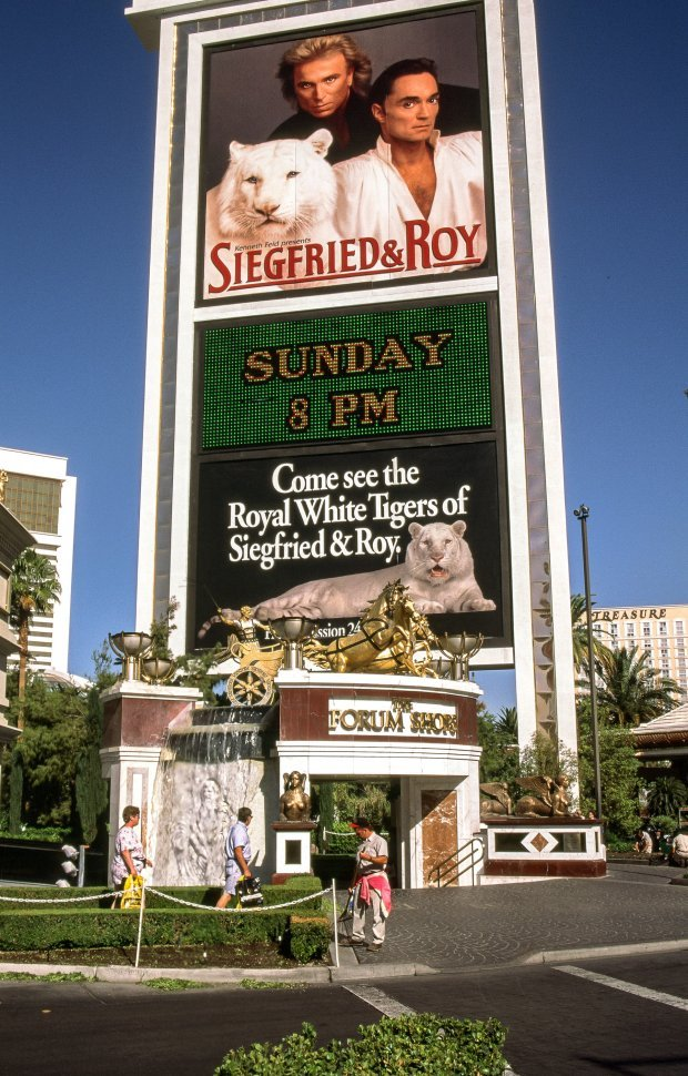 Free image of Siegfried Roy on Billboard of Mirage hotel and Casino