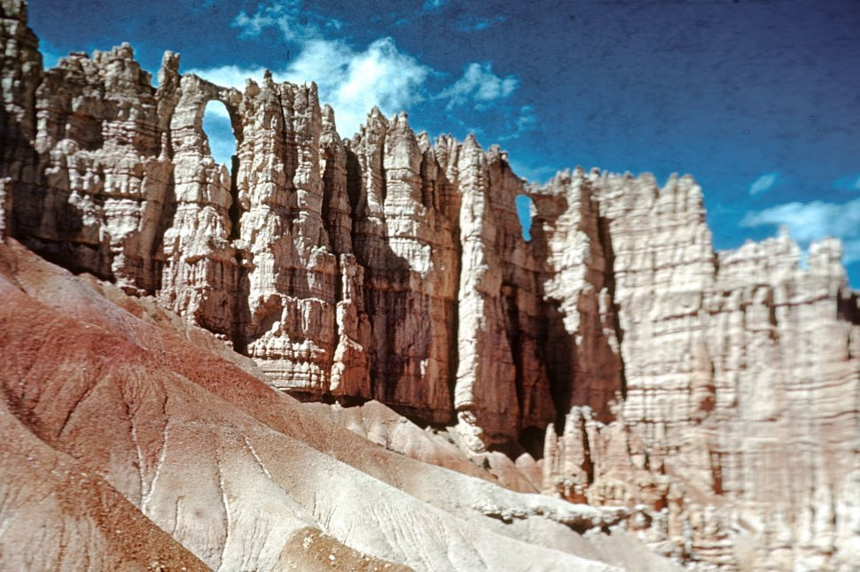 Free image of Rock formations in Bryce Canyon, Utah, USA