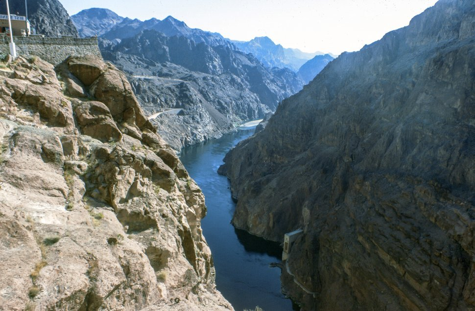 Free image of Lake Mead and Hoover Dam