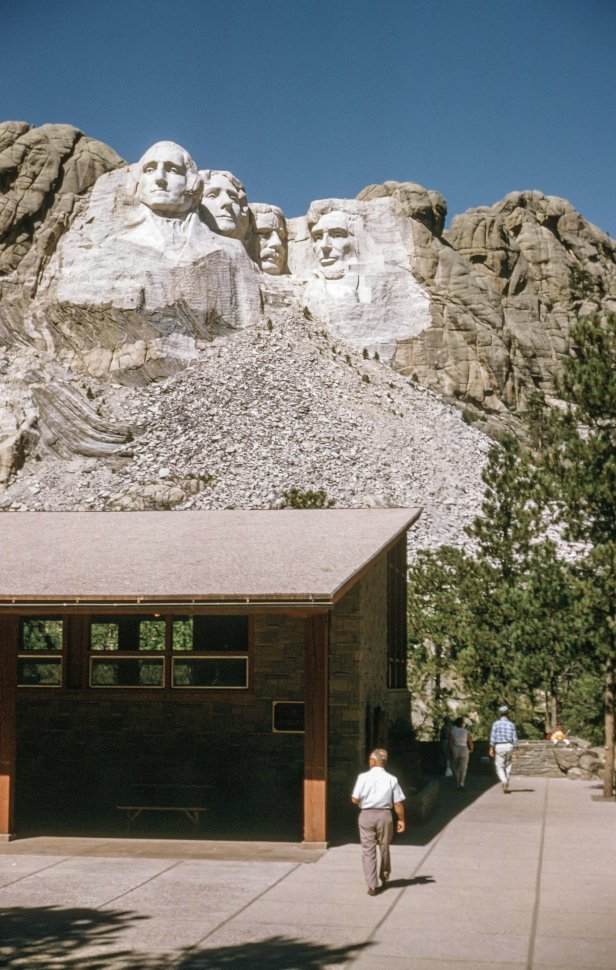 Free image of View of Mount Rushmore National Memorial in South Dakota, USA