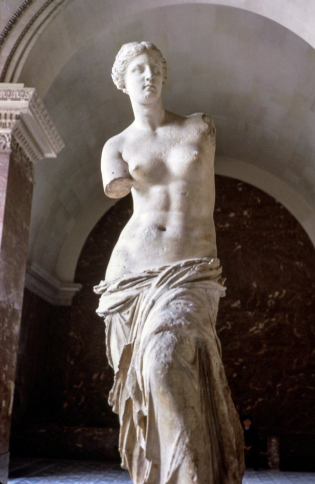 Free image of Venus de Milo Statue at Louvre Museum, Paris, France