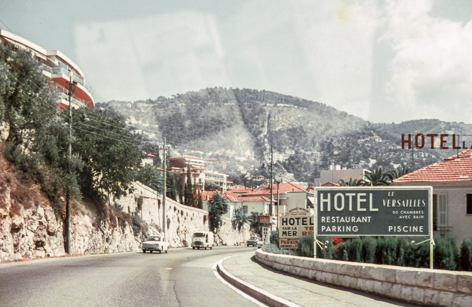 Free image of Road Direction of Hotel le Versailles in Villefranche-sur-Mer, France