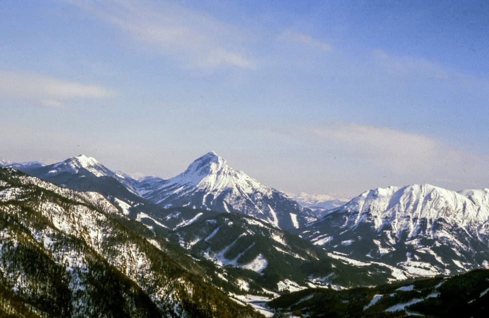 Free image of Snow covered mountain and surrounding range