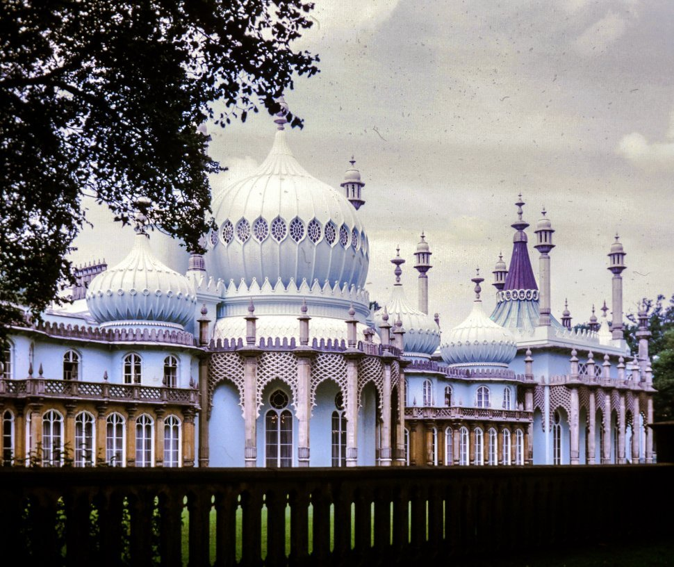 Free image of Side View of Royal Pavilion in Brighton,England