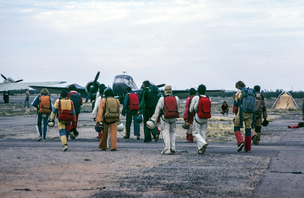 Free image of Group of Skydivers ready to take a flight for skydiving