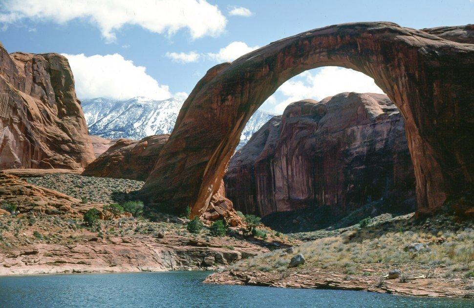Free image of Rainbow Bridge at Lake Powell in Utah