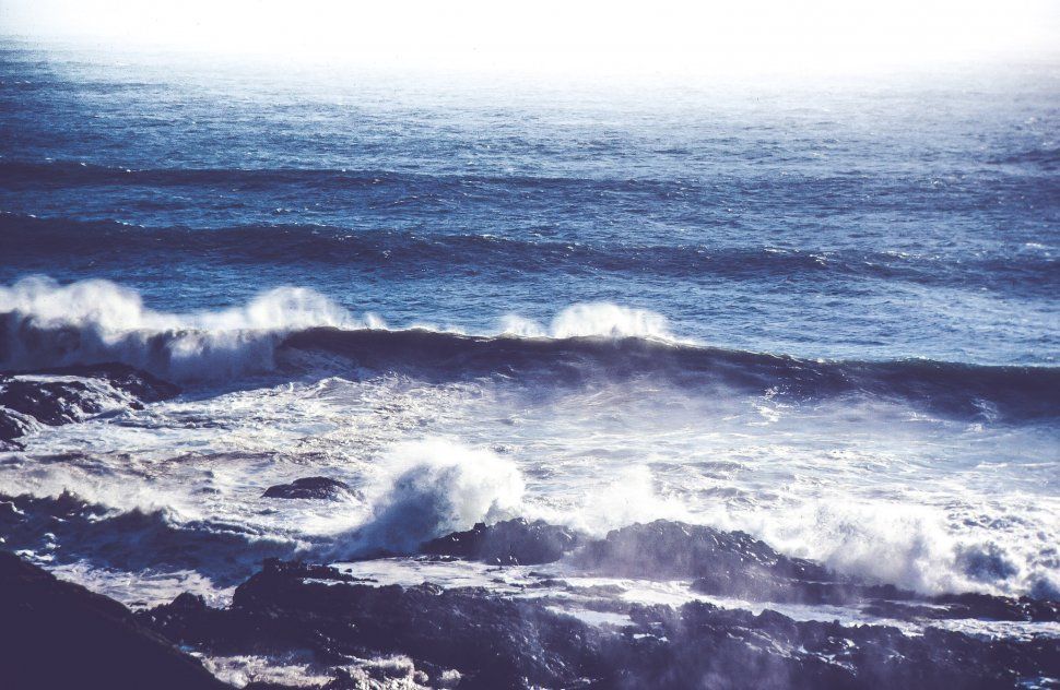 Free image of View of Ocean waves