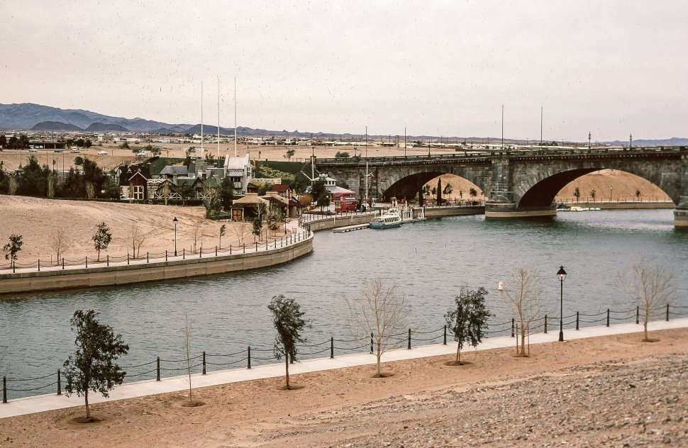 Free image of London Bridge in Lake Havasu City, Arizona