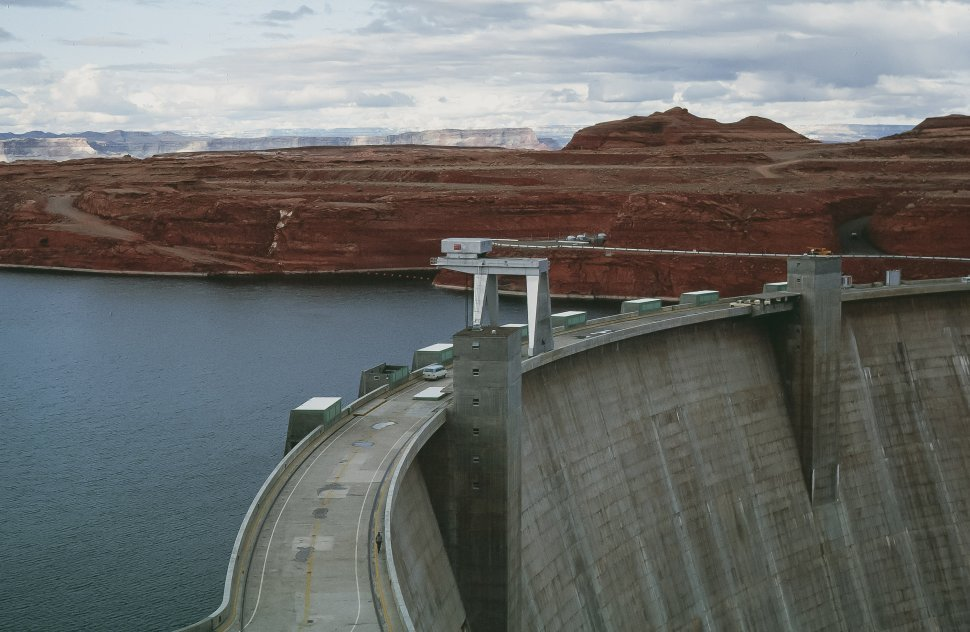 Free image of View of Glen Canyon Dam and Lake Powell