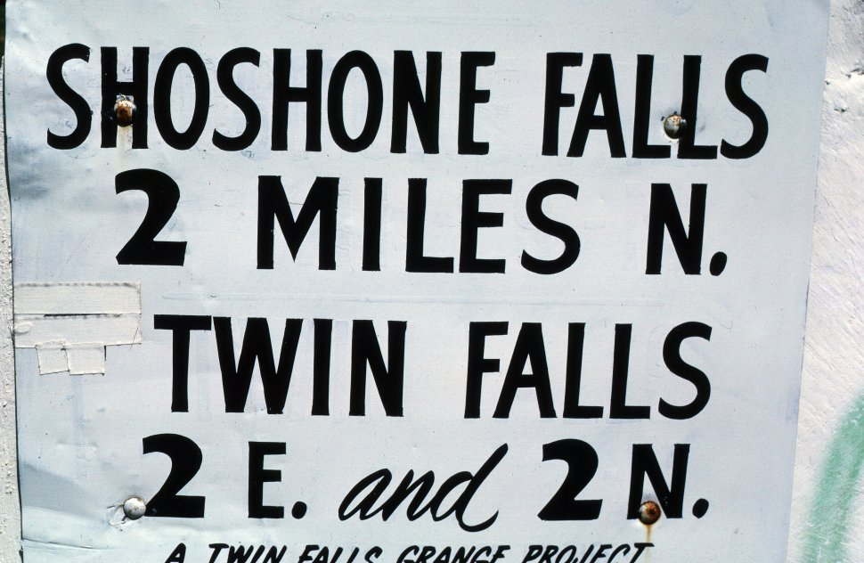 Free image of Miles sign of Shoshone Falls from Twin Falls