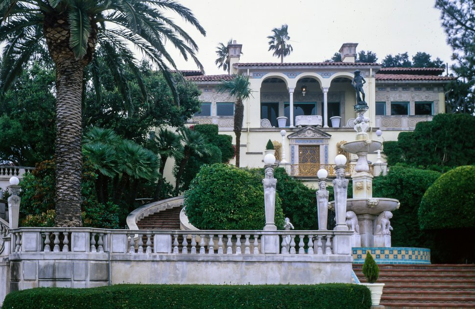 Free image of Exterior View of Hearst Castle in San Simeon, California